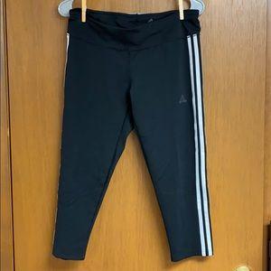 Black capri workout leggings